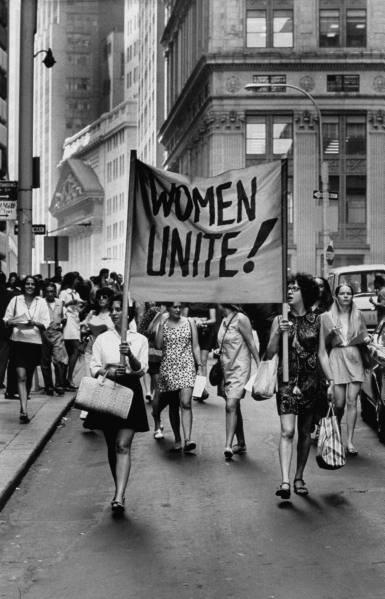 История феминизма: три волны за сто лет