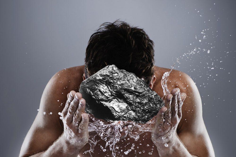 Почему уголь в косметике бесполезен