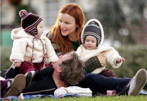 Марсия Кросс с детьми