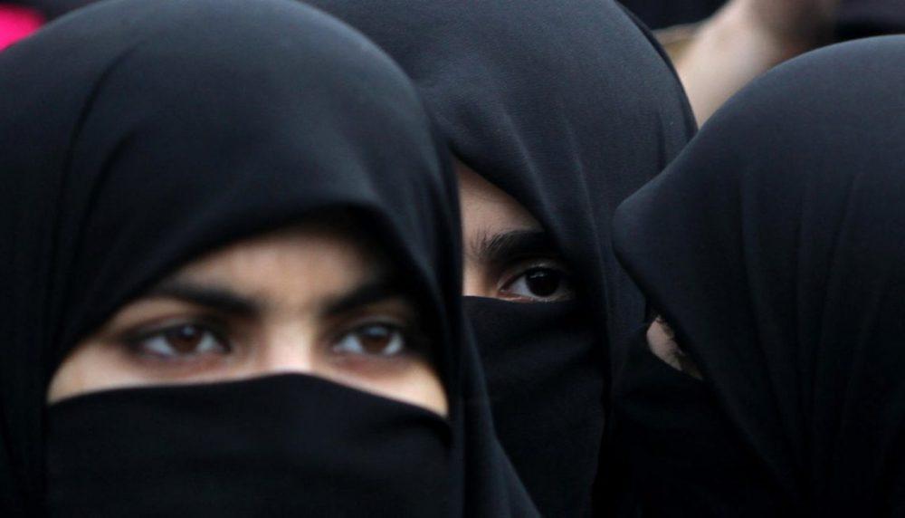 Девушки в хиджабе