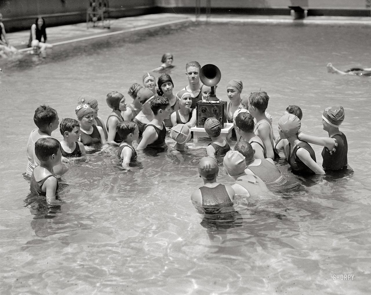 Конъюнктивит и диарея: что «ожидает» человека после посещения бассейна
