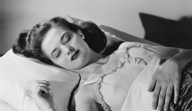 Сколько часов должна спать женщина